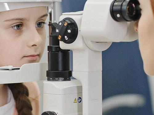 تشخیص تنبلی چشم
