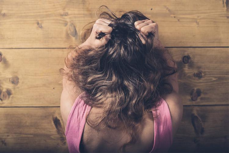 اختلال کندن مو و روشهای درمان آن