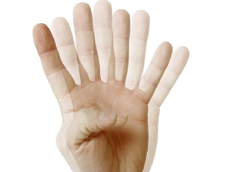 علت لرزش دست در جوانی چیست و آیا لرزش دست میتواند نشانهای از بیماری اماس باشد؟