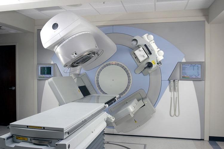 همه چیز در مورد اشعه درمانی یا رادیوتراپی، از انواع روشها تا عوارض
