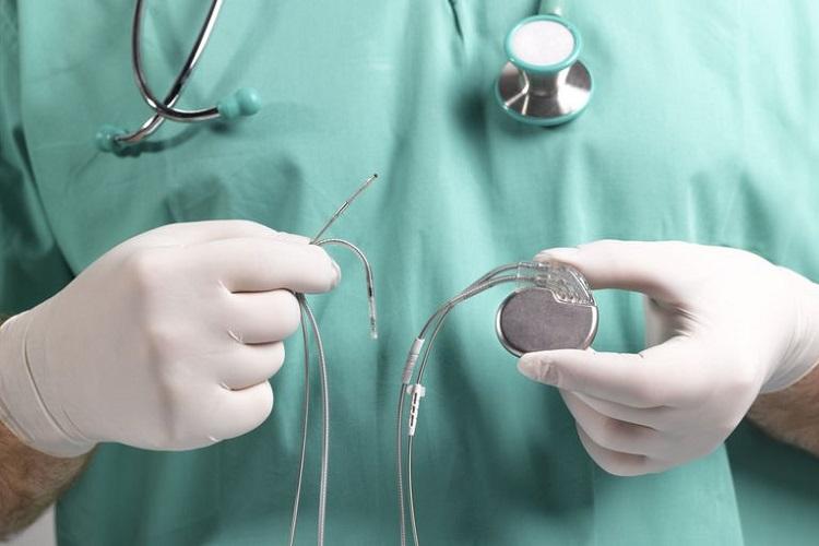 آشنایی با پیس میکر یا ضربانساز قلب و تمامی مراقبتهای همزمان با آن