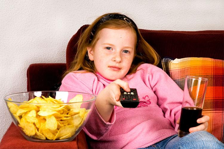 والدین، چاقی در کودکان خود را جدی بگیرند