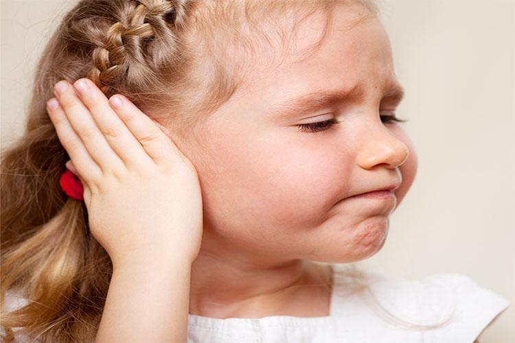 آشنایی با عفونت گوش در کودکان و راههای درمان آن