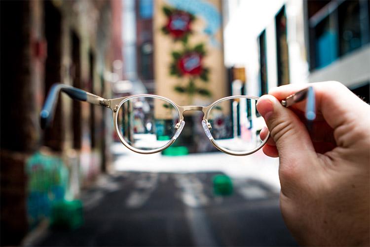 بررسی شایعترین علل کوری یا نابینایی در افراد