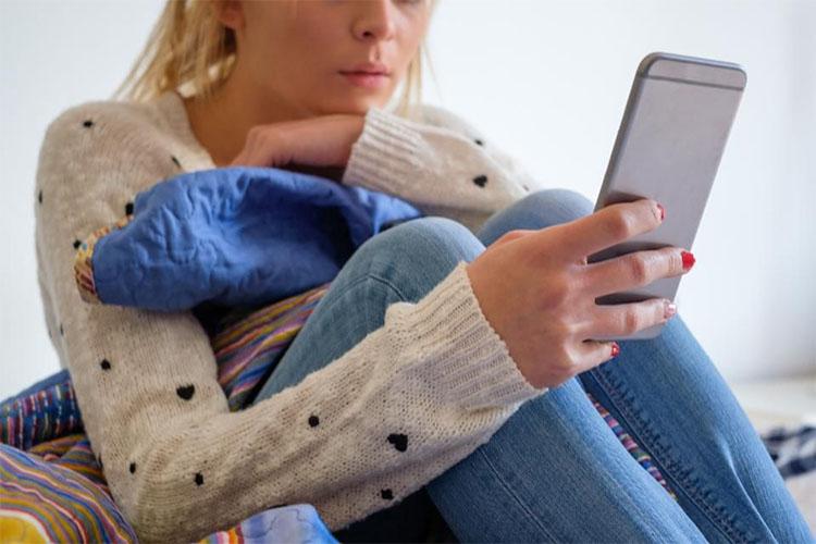 بررسی آسیبهای استفاده طولانی مدت از تلفنهای همراه و دستگاههای هوشمند