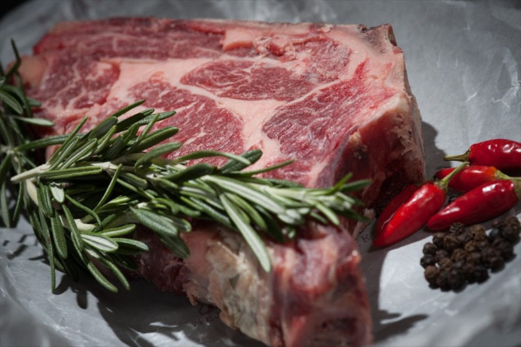 چگونه مواد مورد نیاز بدن خود را بدون مصرف گوشت قرمز تهیه کنیم؟