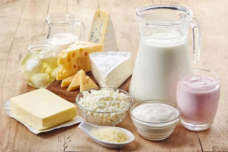 مصرف محصولات لبنی و شیر کم چرب بهتر است یا پر چرب؟