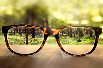 علل و علائم نزدیکبینی در چشم چیست؟
