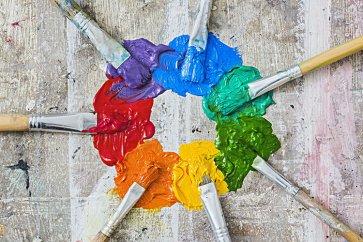 از دنیای تجارت تا دنیای وب؛ رنگها ما را در بر گرفتهاند!