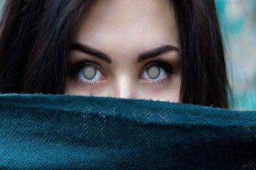 با علائم و درمان بیماری گلوکوم (آب سیاه چشم) آشنا شوید.