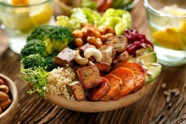 سبزیجات بیشتر، همبرگر کمتر. آیا خانوادهها میتوانند به رژیمهای غذایی سالم علاقمند شوند؟
