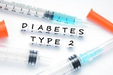 بررسی علائم دیابت نوع 2 همراه با توصیههای غذایی و سبک زندگی