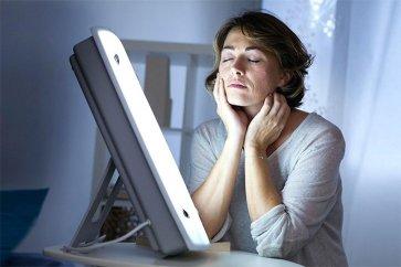 نور درمانی چیست و چه تاثیراتی برای سلامتی دارد