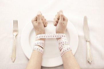 معرفی بیماری رایج آنورکسیا Anorexia nervosa یا بیاشتهایی عصبی