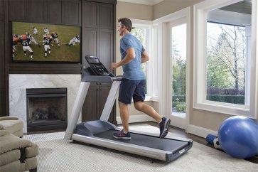 استفاده از دستگاه تردمیل، راهی برای افزایش سلامتی و کاهش وزن