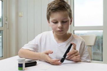 نکاتی مهم در مورد کودکان مبتلا به دیابت که والدینشان باید بدانند