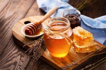 با خواص شگفتانگیز عسل و تاثیر این ماده جادویی بر روی بدن آشنا شوید