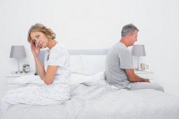 چرا برخی از زنان با افزایش سن، تمایل کمتری به انجام رابطه جنسی دارند؟